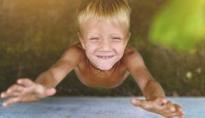 """Psicólogos de Harvard revelan que los padres que educan a niños """"buenos"""" hacen estas 5 cosas ..."""