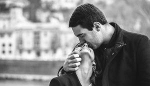 11 señales de que estás con un buen hombre 1