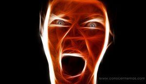 4 Comportamientos ocultos que una persona abusiva muestra antes de revelarse a sí mismo