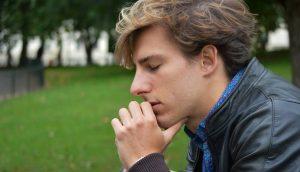 12 maneras de sentirse menos miserable y más feliz. Comienza HOY mismo
