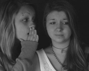 8 señales de que estás rodeado de amigos tóxicos que no mereces