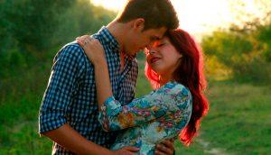 Como atraer a alguien que realmente te adora en 3 pasos