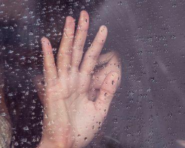 Razones por las que debes enfrentarte a tus emociones más oscuras para ser feliz