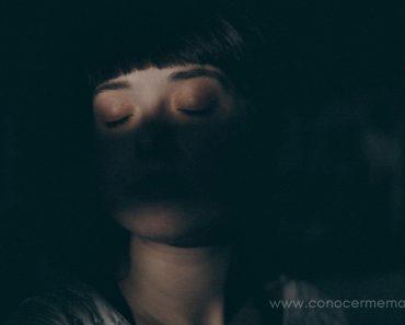 Así es cómo debes aceptar tu tristeza para superar tu pérdida y dolor
