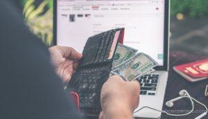 3 Comportamientos que te hacen tener menos dinero (y cómo evitarlos)