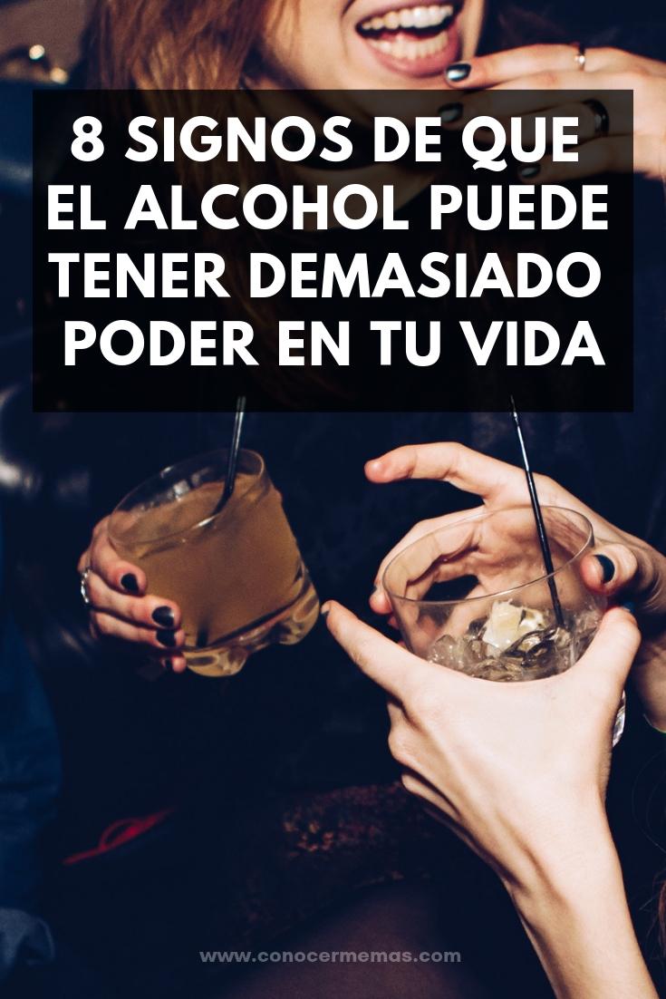 8 Signos de que el alcohol puede tener demasiado poder en tu vida