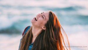 Las mujeres con estos 5 rasgos de personalidad saben cómo ser realmente felices