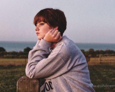 5 Signos de que es ansiedad social y no introversión
