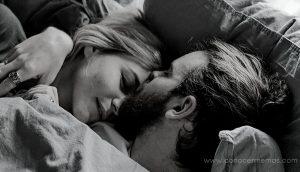 Beneficios para la salud de dormir junto a alguien que amas