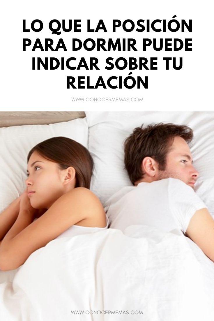 Lo que la posición para dormir puede indicar sobre tu relación